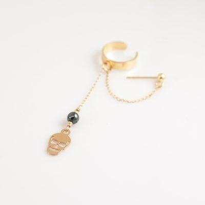 עגיל מחבק תליון גולגולת זהב ואבן המטייט