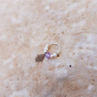 עגיל חישוק פנינה עם סגול ותליון חמסה